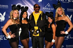 1013029-snoop-dogg-playboy-bunnies-617-409